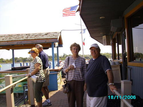 ./Gallery/2011 40th Anniv. Boat Ride/SANY0116.jpg