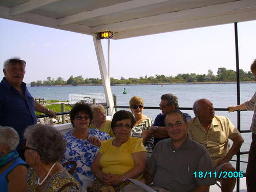 ./Gallery/2011 40th Anniv. Boat Ride/SANY0119.jpg
