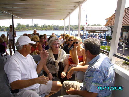 ./Gallery/2011 40th Anniv. Boat Ride/SANY0127.jpg