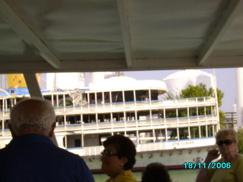 ./Gallery/2011 40th Anniv. Boat Ride/SANY0128.jpg